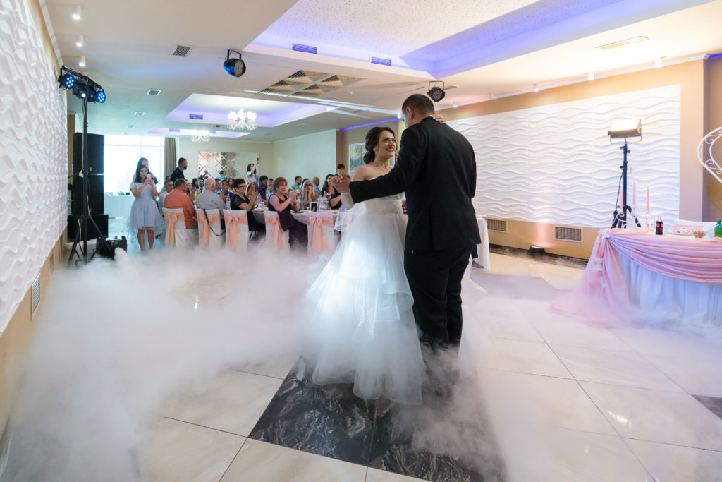 сватбено исветление и пушек машини