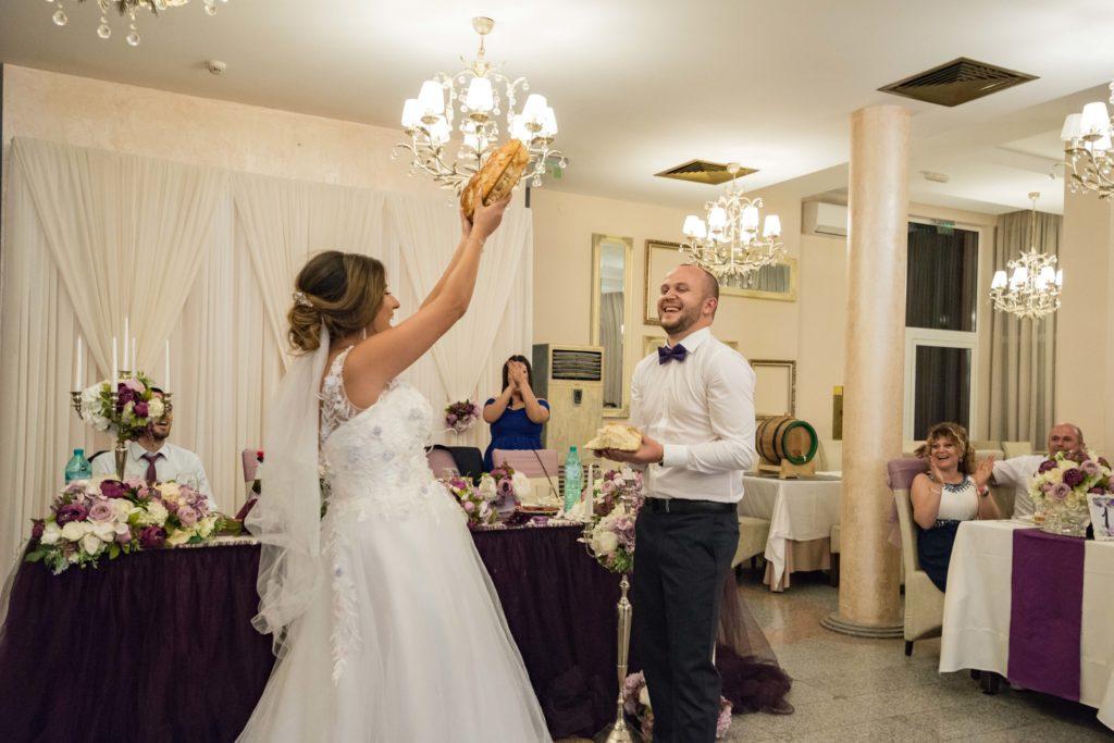 игрите по време на сватбеното тържество