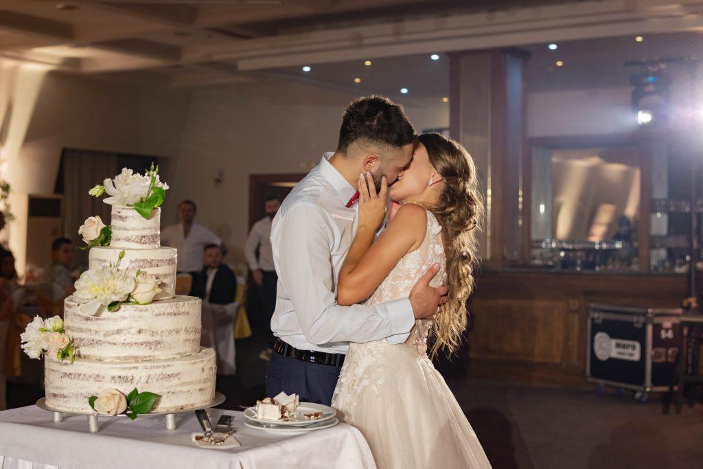 Сватбените Ритуали в Ресторанта